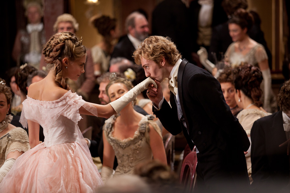 Oscar Frontrunners Anna Karenina | Thread By Thread ...